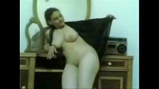 فيلم سكس مصري قديم لشرموطة من المنصورة العربية xxx أنبوب