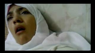 سكس في المستشفي نيك مريض الدكتورة العربية مجانا كس اللعنة ...